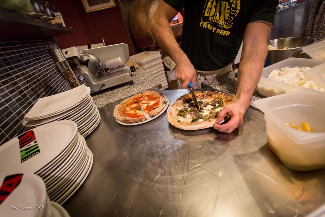 Take away pizza in Bologna