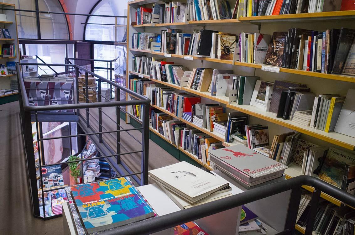 Bologna bookshop - Pickwick