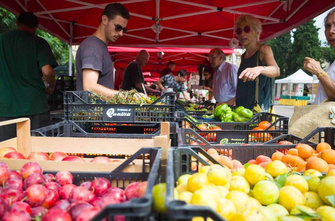 Bologna Food Markets - Mercato del Novale - Potatoes