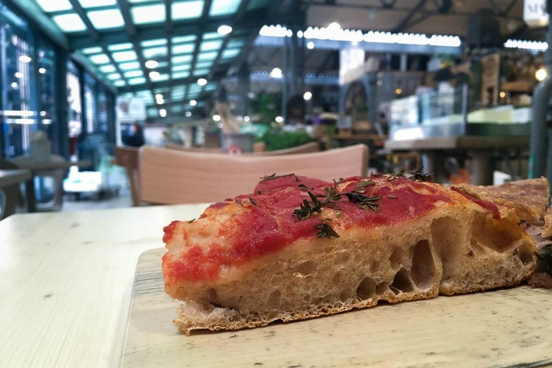Best pizza in Bologna - Mozzabella