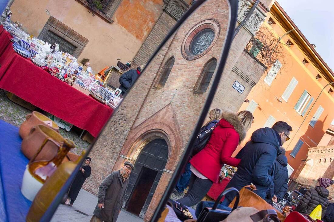 Flea markets in Bologna - Santo Stefano Market