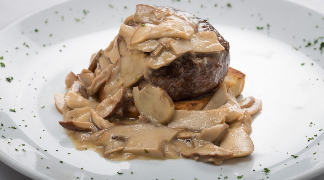 Dozza La Scuderia restaurant - Tenderloin with porcini mushrooms