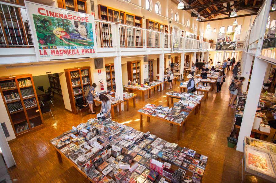 Libraries in Emilia Romagna - Biblioteca Renzo Renzi Bologna