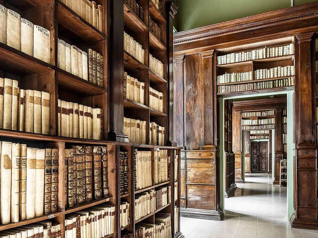 Libraries in Emilia Romagna - Biblioteca Gambalunga Rimini