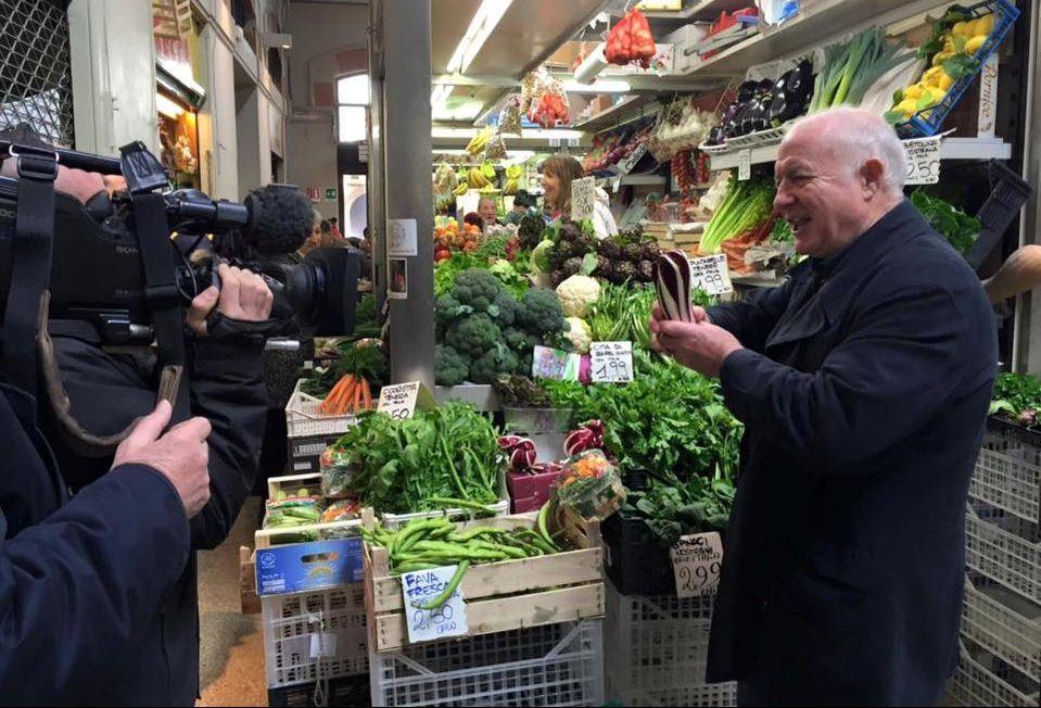 Rick Stein in Bologna - Rick at Mercato delle Erbe