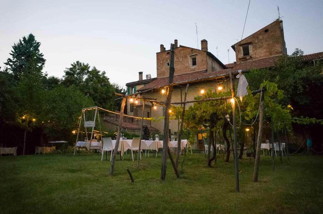 Romantic restaurants in Bologna - Scaccomatto agli Orti