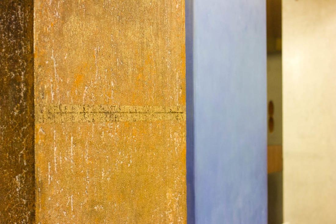 Gavina shop by Carlo Scarpa, Bologna - Columns details