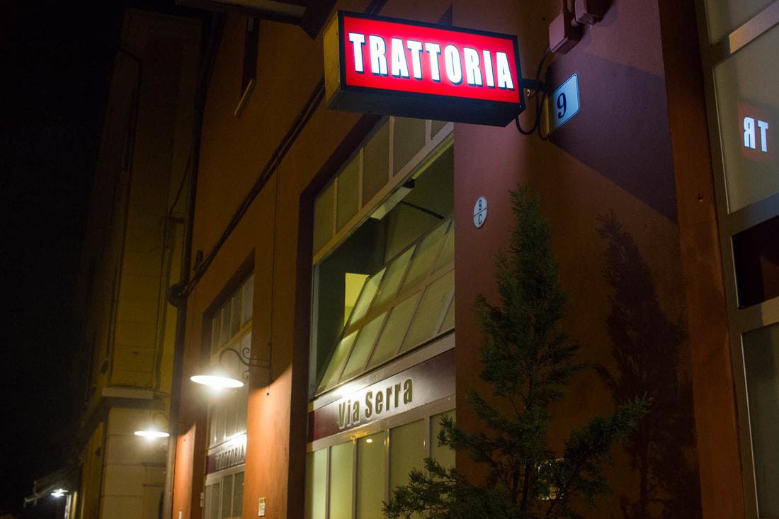 Trattoria di Via Serra Bologna - Entrance